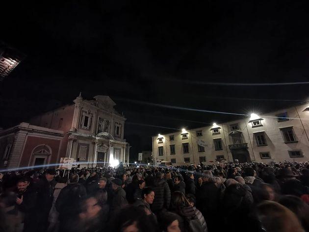 """""""La politica si occupi di noi"""". 7mila sardine conq"""