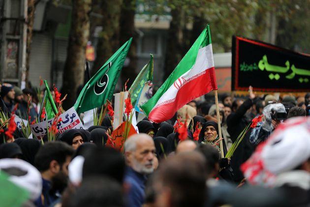 À Téhéran le 20 novembre, lors de la cérémonie funéraire des...