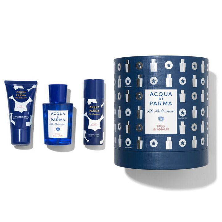 """<a href=""""https://fave.co/34k81oI"""" target=""""_blank"""" rel=""""noopener noreferrer"""">Acqua Di Parma On-The-Go Travel Kit, SpaceNK</a><a href=""""https://fave.co/34k81oI"""" target=""""_blank"""" rel=""""noopener noreferrer"""">,</a> &pound;72"""