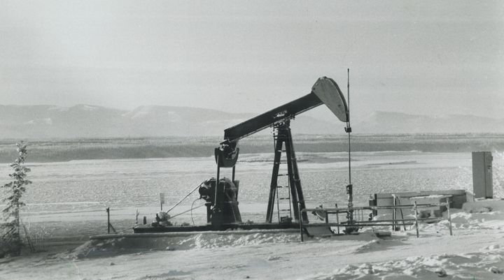Imperial Oil pumping oil at Norman Wells, N.W.T. in 1981.