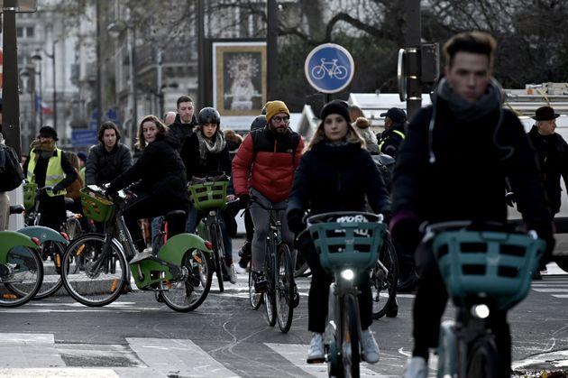 Les accident de deux-roues en hausse de 40% à Paris depuis le début de la grève...
