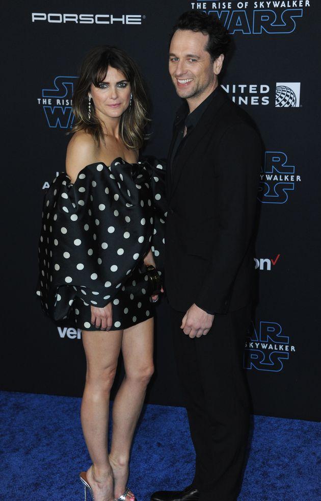 HOLLYWOOD, CA - 16 DÉCEMBRE 2019 : Keri Russell et Matthew Rhys arrivent pour la première...