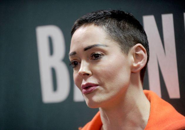 Rose McGowan s'est alliée à d'autres femmes qui ont accusé le producteur...