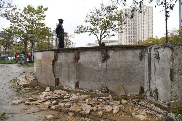 L'individu qui s'était acharné sur la stèle du maréchal Juin à Paris en marge d'une manifestation de...