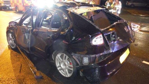 Βρετανία: Ψέκασε αποσμητικό μέσα στο αυτοκίνητο, άναψε τσιγάρο και