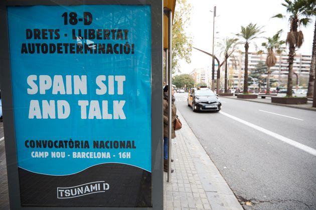 El Ayuntamiento de Barcelona ha retirado publicidad de Tsunami de marquesinas de