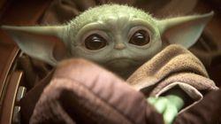 Lo que tienes que saber sobre Baby Yoda, el personaje de 'Star Wars' que ama todo