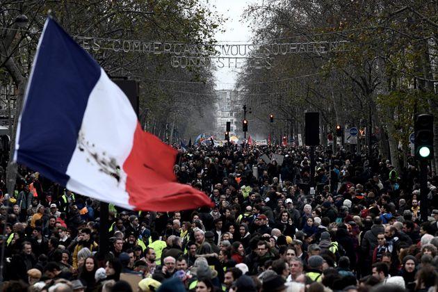Toujours plus hostiles à la réforme des retraites, les Français veulent cependant...