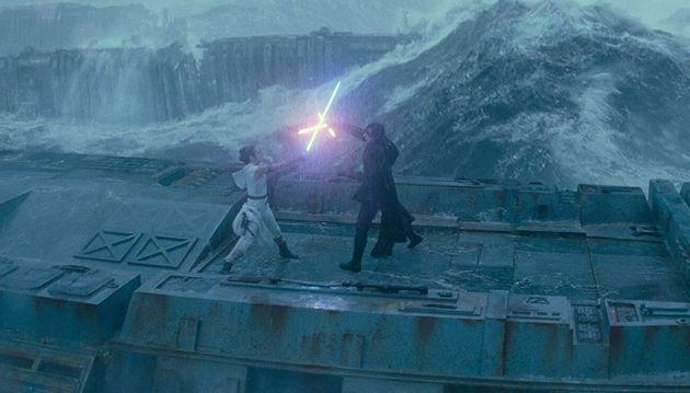 Sequência da luta entre Rey e Kylo Ren nos destroços da Estrela da Morte é uma das...