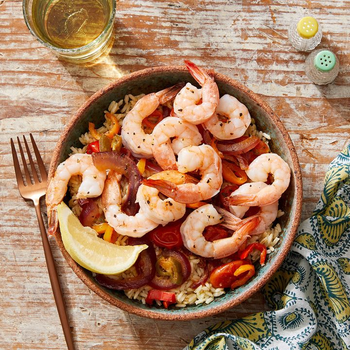 One of Blue Apron's new WW-approved recipes for 2020 includes this Veracruz-style shrimp and vegetables with brown rice. The recipe also happens to be under 500 calories.