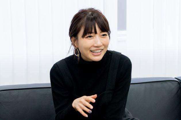桃さん 大学卒業後、人気テレビ番組「あいのり」(フジ系)に参加。2009年にブログを開始し、人気ブロガーに。コスメや洋服などの商品のプロデュースなども手がける