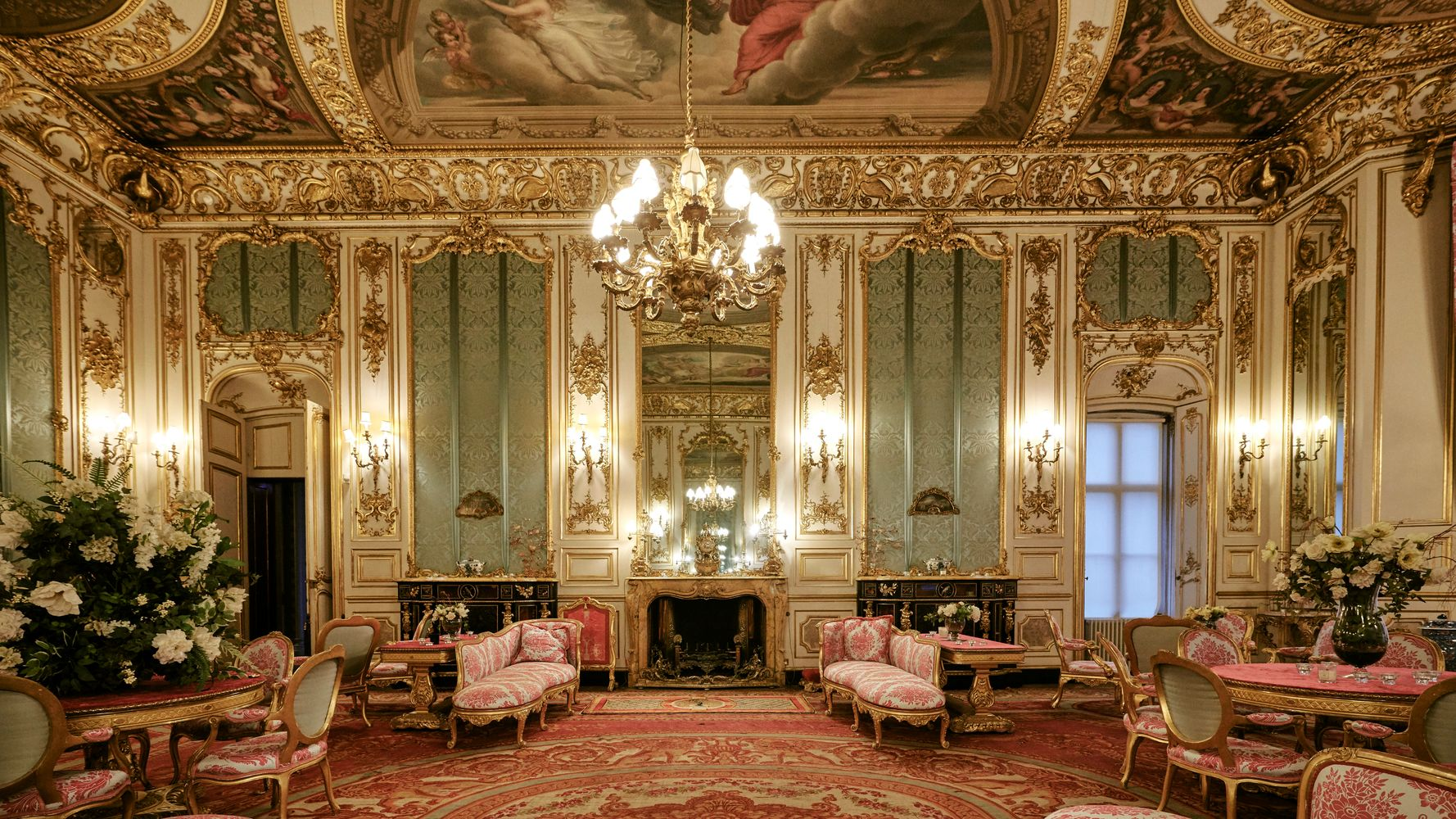 Spend New Year's Eve Like Royalty In The Crown's Belvoir Castle