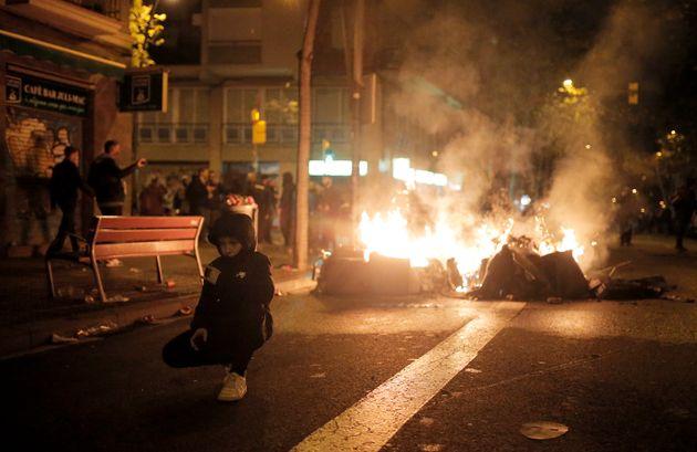 Ισπανία: Συγκρούσεις αστυνομίας- Καταλανών αυτονομιστών κατά τον αγώνα Μπαρτσελόνα- Ρεάλ
