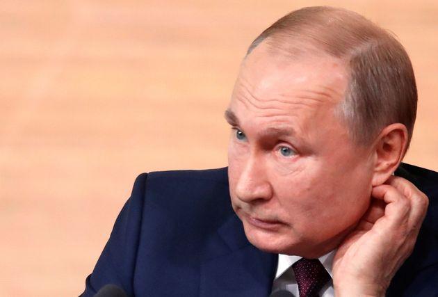 Le président russe Vladimir Poutine a affirmé que personne ne connaît les causes...