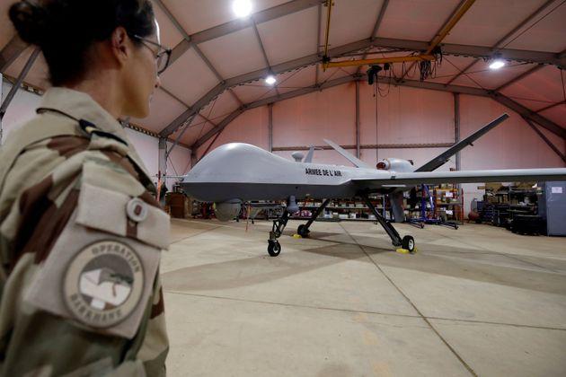 Un drone Reaper stationné sur la base aérienne de Niamey, au