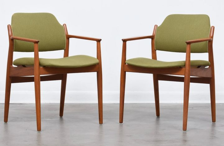 """<a href=""""https://fave.co/2Mcqdu4"""">Olive green Danish chairs by Arne Vodder, Chase and Sorensen,</a>&nbsp;&pound;645"""