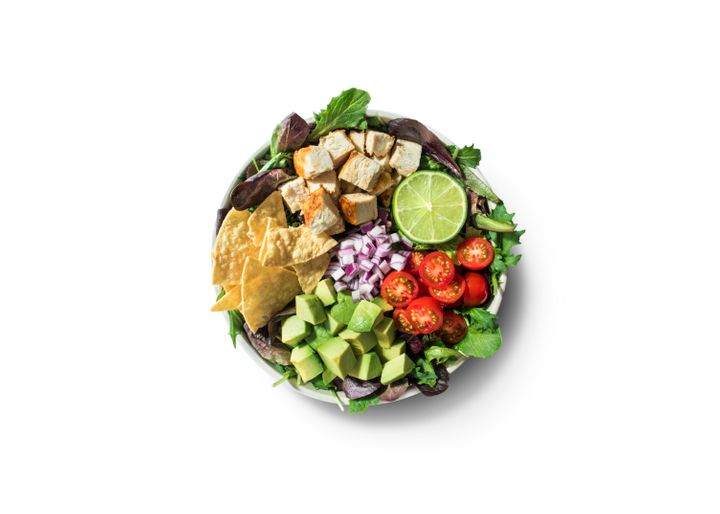 Westlake Legal Group 5dfbb49a250000c77bd30c16 Nutritionists Pick The Best Salads From The Major Salad Chains