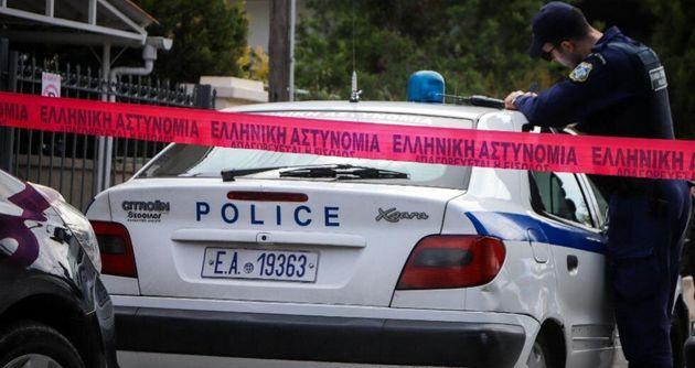Ελεύθεροι οι κατηγορούμενοι για βομβιστικές επιθέσεις σε γραφεία της