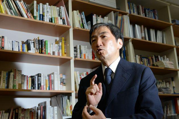 映画『春画と日本人』で監督を務めた、桜美林大学教授の大墻敦(おおがき・あつし)さん