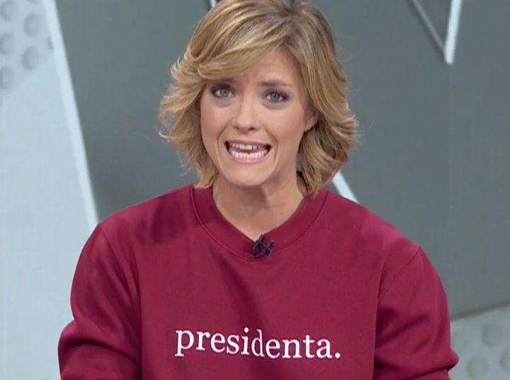 La periodista María Casado con la sudadera 'presidenta'.