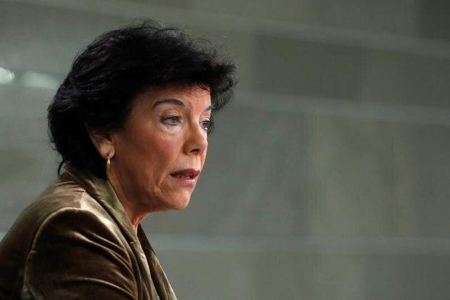 La ministra Portavoz en funciones, Isabel Celaá, durante la rueda de prensa de este viernes en...