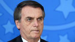Irritado com perguntas sobre Flávio, Bolsonaro ataca imprensa: 'Trabalho de