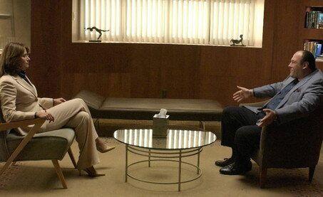 Tony Soprano en la consulta de psicología, en un fotograma de 'Los