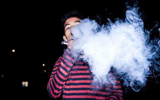 アメリカ議会、タバコおよび電子タバコ購入可能年齢を21歳に引き上げる案を可決