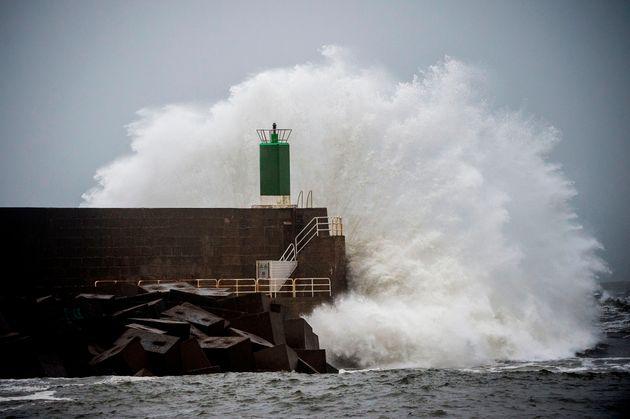 La borrasca Fabien ya azota la Península: vientos huracanados y ríos
