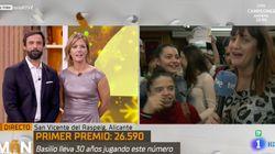 Una reportera de TVE pierde el control en directo tras ganar 'El Gordo': la cara de María Casado con lo que hace es un