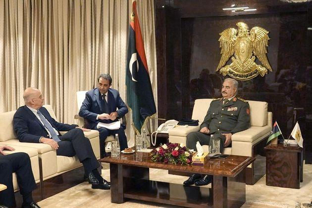 Aιφνιδιαστική επίσκεψη Δένδια στη Λιβύη - «Η Ελλάδα έτοιμη να υπερασπιστεί την εθνική της