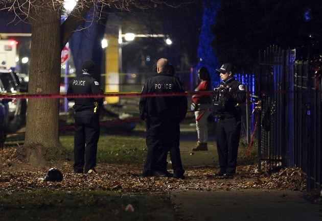 Σικάγο: Πυροβολισμοί με 13 τραυματίες σε εκδήλωση μνήμης για θύμα