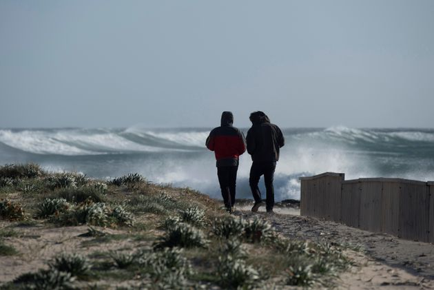 La semana comienza con viento en Galicia y Pirineo y nubes en todo el