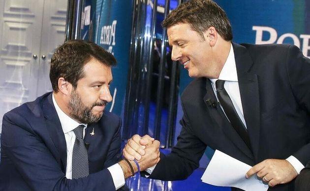 L'abbraccio, inevitabile, di Salvini a Renzi. E
