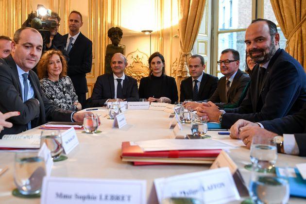 Laurent Berger, secrétaire général de la CFDT et Edouard Philippe, Premier ministre, à Matignon, lors...