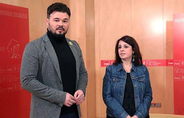 La portavoz socialista en el Congreso, Adriana Lastra, y el portavoz de ERC, Gabriel