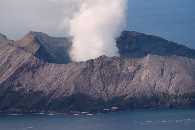 New Zealand Volcano: Police Call Off Search For Two Missing People
