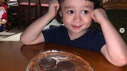 윌리엄이 산타 위해 준비한 쿠키에 벌어진