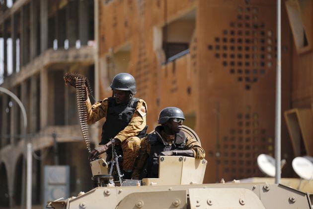 Στρατιώτες της Μπουρκίνα...