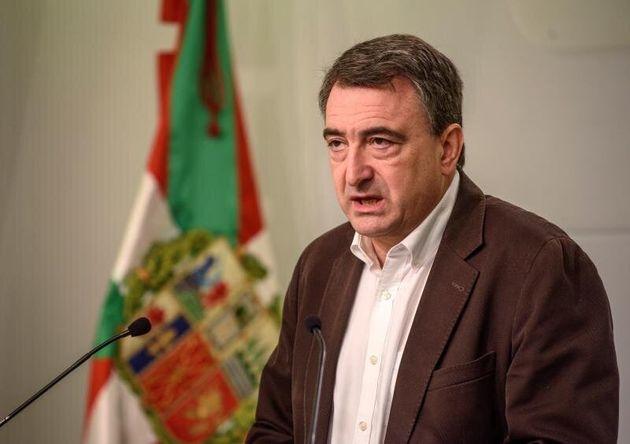 PSOE, PP, Cs y Vox aplauden el mensaje de