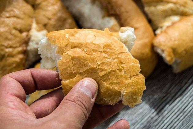 Salmorejo, torrijas y hasta cerveza: el pan duro todavía se puede