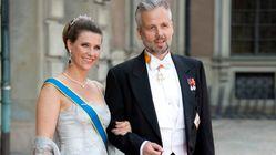 Suicida lo scrittore ex marito della principessa norvegese: accusò Kevin Spacey di