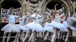 Bailarinas se manifiestan con una danza en contra de