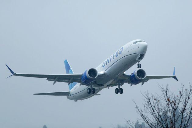 Οι εκπομπές άνθρακα ανά επιβάτη αεροσκάφους μειώθηκαν περισσότερο από 50% σε 30