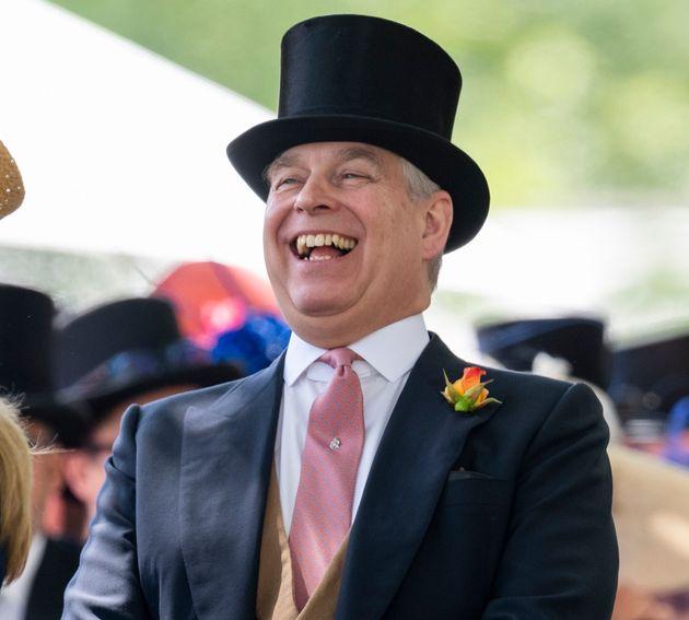 Αξίζει τελικά η βασιλική οικογένεια τα λεφτά του φορολογούμενου; Ξαφνικά οι Βρετανοί το