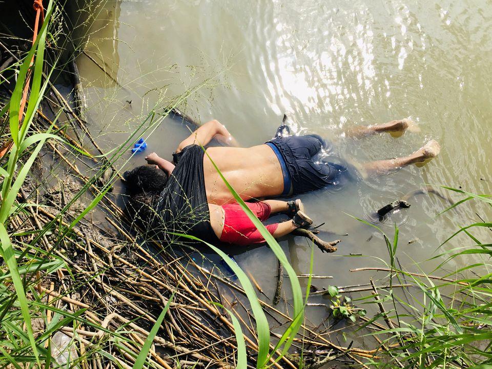 Τα άψυχα κορμιά των μεταναστών...