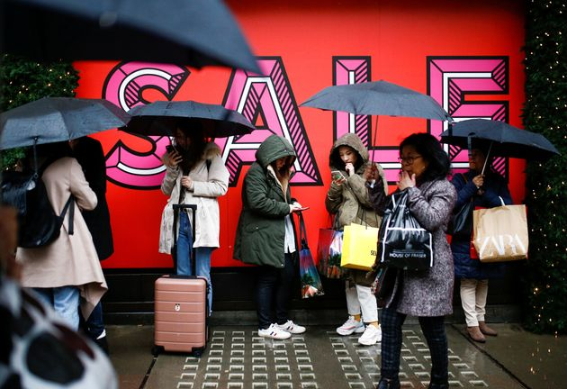 10% Drop In Boxing Day Sale Shoppers As Bad Weather Hits UK