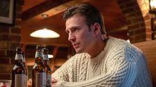 Chris Evans hat Seinen Hund Eine Version dieser Pullover Von