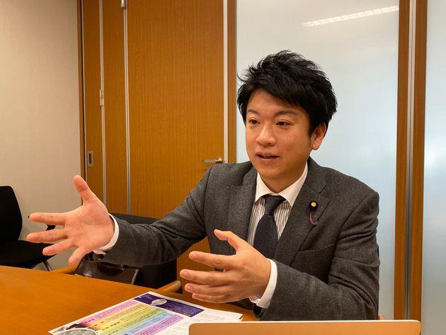 参議院議員の石川大我さん