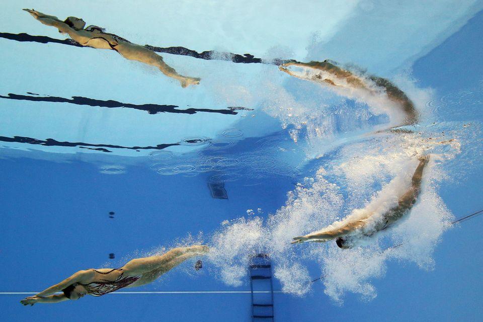 Συγχρονισμένη κολύμβηση...